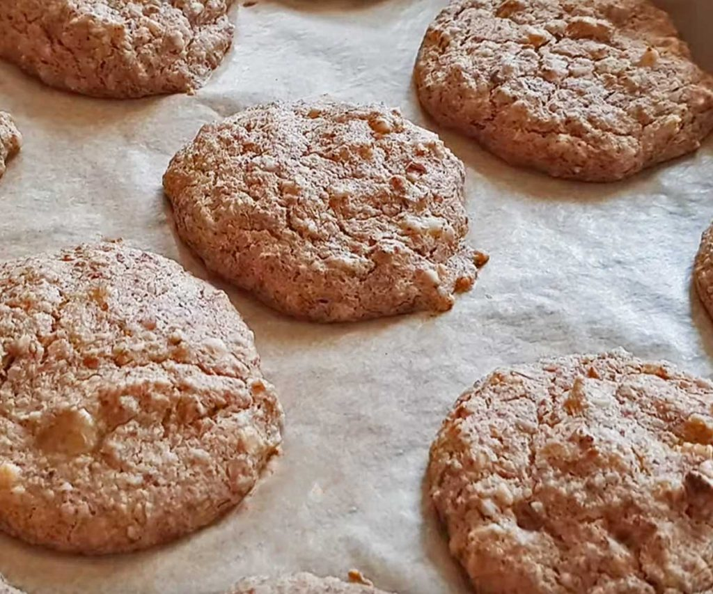 oat pulp peanut butter and banana cookies