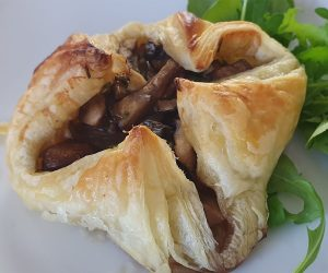 How to make garlic Mushroom parcels