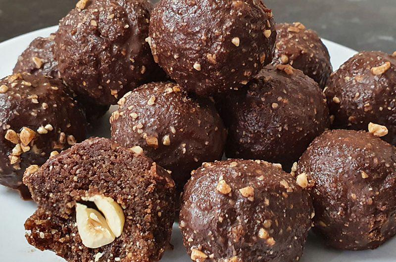 "Raw ""Ferrero Rocher"" Balls with added crunch"