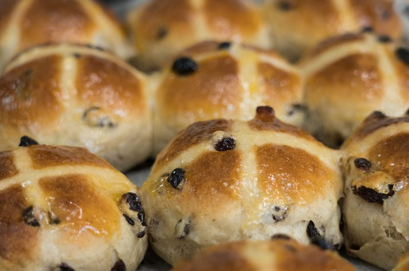 Easy Vegan Hot Cross Buns